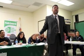 El concejal Felipe Fuentes dijo que necesita más información para tomar una posición sobre cualquier ruta propuesta, sin embargo, se mostró esperanzado en que el proyecto contribuirá a mejorar las áreas a lo largo de San Fernando Road si se elige esa ruta.